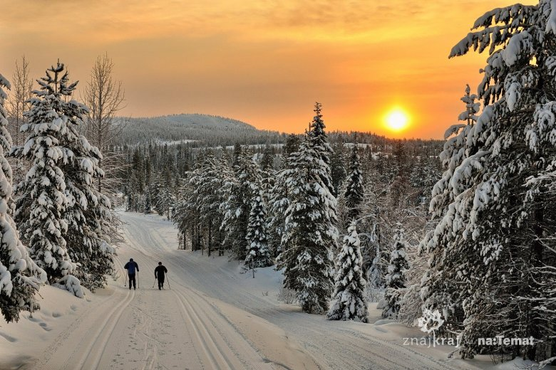 Zachód Słońca nad trasami narciarskimi