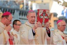 Przewodniczący KEP abp Stanisław Gądecki chce katechizować rodziców.