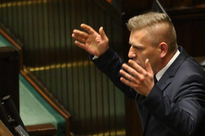 Były minister zdrowia Bartosz Arłukowiczowi zasiadanie w szeregach opozycji nie zaszkodziło. Obudził się w nim polityczny pazur.