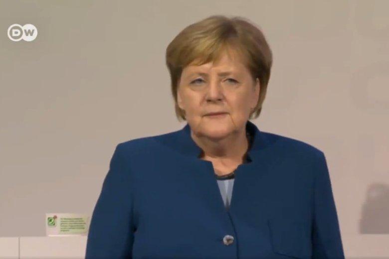 Angela Merkel dostała owacje na stojąco na zakończenie ostatniego przemówienia, które wygłosiła jako szefowa CDU.