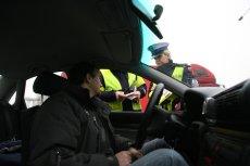 Mandaty za wykroczenia drogowe dla kierowców zza wschodniej granicy to trudny temat. Dla służb i polskiego budżetu.