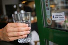 Zdrowy człowiek powinien pić nawet do 5 litrów wody dziennie.