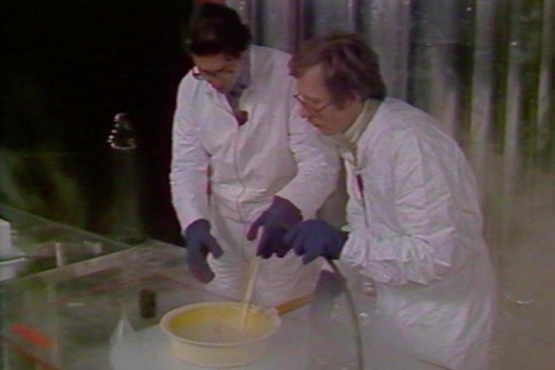 """W """"Sondzie"""" prowadzący wykonywali również eksperymenty."""