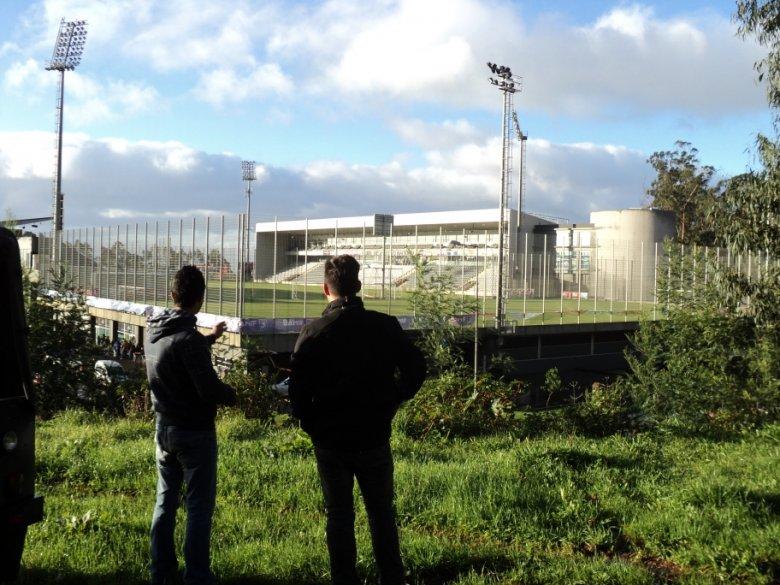 Victor pokazuje mi stadion Nacionalu
