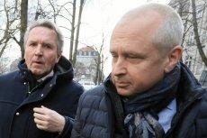 """""""Gazeta Wyborcza"""" twierdzi, że prokuratura próbowała nakłonić Geralda Birgfellnera, by odwołał swoje zeznania dotyczące Jarosława Kaczyńskiego. Na zdjęciu Birgfellner (z lewej) z mecenasem Jackiem Dubois."""