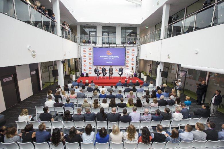 Mondelēz International, producent czekolady Milka i ciasteczek Oreo, otworzył we Wrocławiu pierwsze w naszym kraju Centrum Badań, Rozwoju i Jakości.