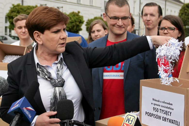 Paweł Szefernaker podczas kampanii wyborczej był prawą ręką Beaty Szydło.