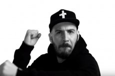 """""""We krwi"""" - nowy singiel O.S.T.R. z albumu """"Życie po śmierci"""" jest już na YouTube"""