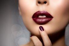 Przykuj uwagę zmysłowym kolorem ust