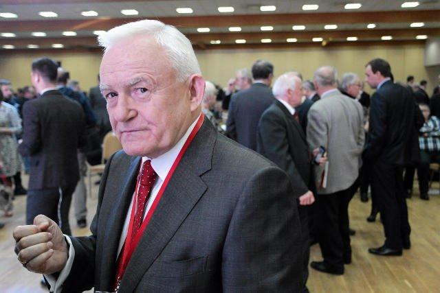 Miller jest przekonany, że Kaczyński powinien zająć miejsce Szydło