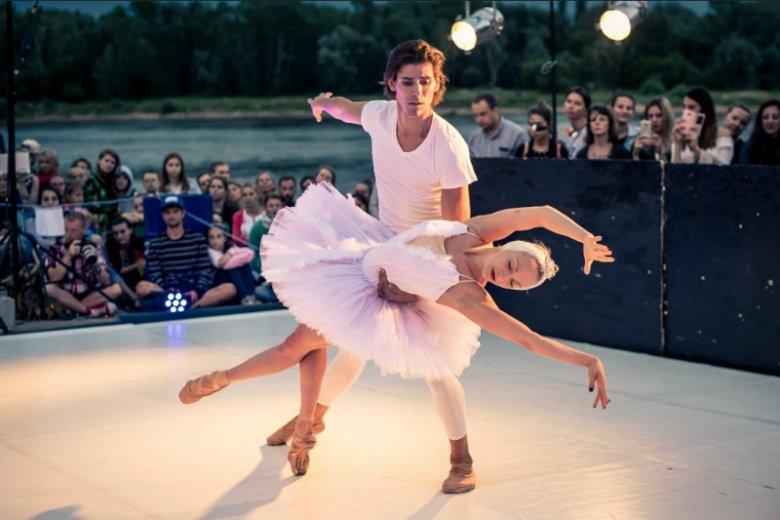 Balet w nadwiślańskiej scenerii i  atmosferze wygląda naprawdę magicznie