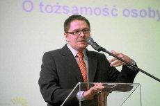 """Za nazwanie mordowania ludności przez żołnierzy wyklętych """"wypadkiem przy pracy"""" Tomasz Terlikowski został skrytykowany w sieci."""