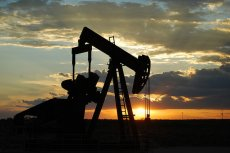 Ropa osiąga rekordowo niskie ceny.