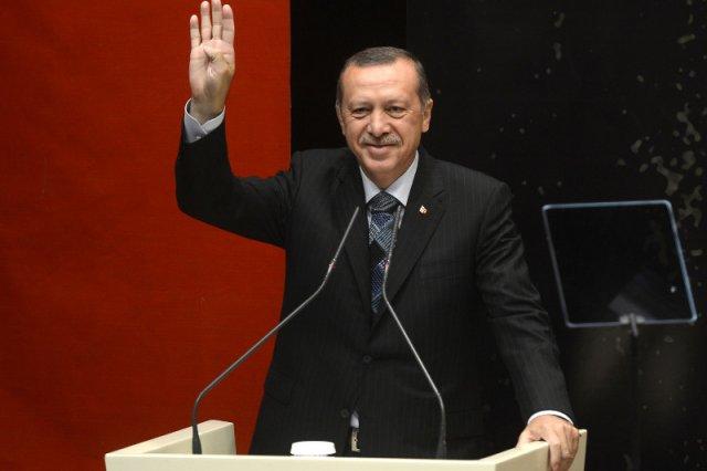 Prezydent Turcji idzie po pełnię władzy. Parlament debatuje nad zmianą konstytucji.