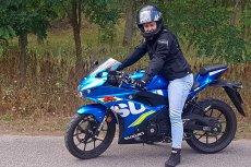 Motocykl jest na tyle mały, że dobrze czują się nim przede wszystkim drobne kobiety.