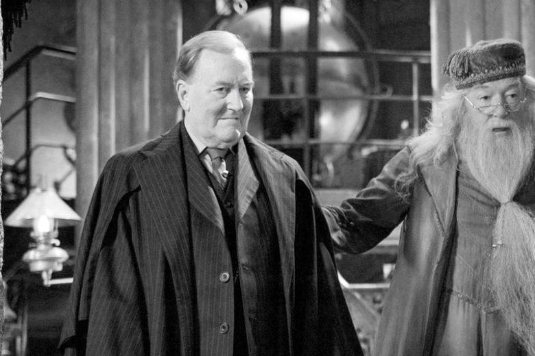"""Zmarł Robert Hardy. Brytyjskiego aktora najszerzej kojarzono za sprawą roli ministra magii Korneliusza Knota w serii filmów o """"Harrym Potterze""""."""