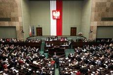 Budżet uchwalony - czeka tylko na podpis Andrzeja Dudy.