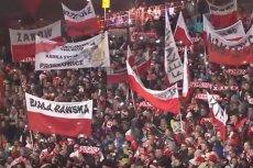 Tysiące kibiców zaśpiewało hymn narodowy. To robi wrażenie.