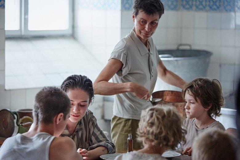 W jedną z ról wcieliła się Danuta Stenka, ale to dzieciaki grają pierwsze skrzypce