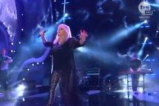 Zrzuty z ekranu z występu Bonnie Tyler podczas festiwalu w Sopocie.