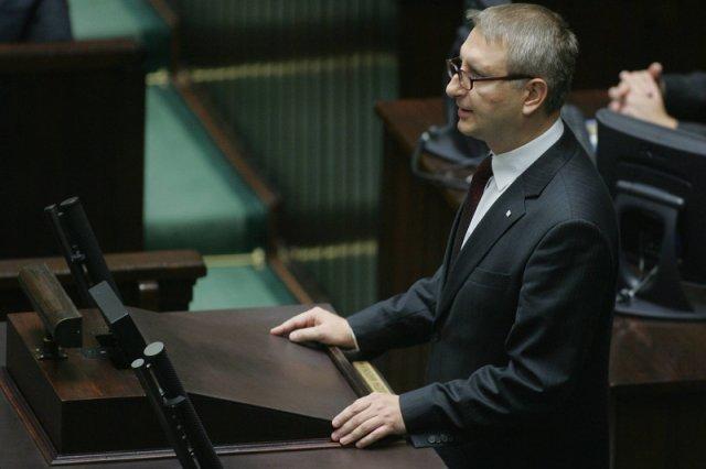 Poseł Stanisław Pięta budzi kontrowersje swoimi wypowiedziami na Twitterze.