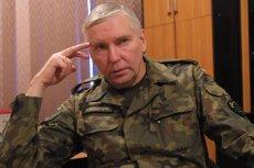 Marek Ojrzanowski, na zdjęciu z 2004 r., to wojskowy z długoletnim stażem. Dodaje, że na całym świecie korzysta się z wiedzy byłych generałów. – U nas odwrotnie, próbuje im się zamknąć usta – komentuje.