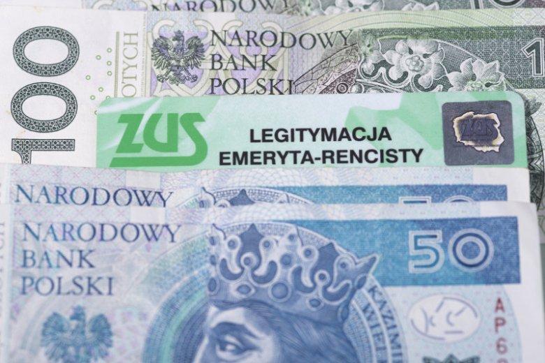 Na dziś średnia emerytura w ZUS to ok. 1806 zł netto,natomiast najczęściej wypłacana to już tylko 906 zł netto