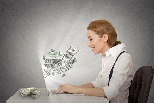Rachunki płatnicze w serwisie Cinkciarz.pl będzie można obsługiwać przez internet oraz urządzenia mobilne - to oszczędzi czas i koszty.