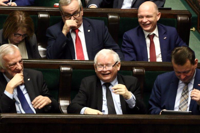 Posłowie przyjęli dziś w głosowaniu budżet na 2018 rok