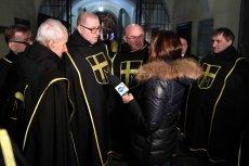 Rycerze JPII pozbyli sięniechcianych mediów z uroczystości z okazji rocznicy śmierci Karola Wojtyły.