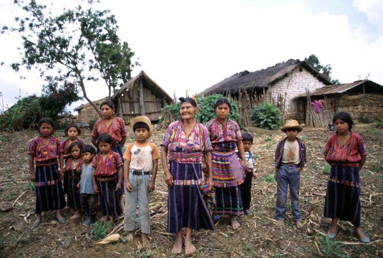 Przedstawiciele rdzennych mieszkańców Gwatemali w 1993 roku