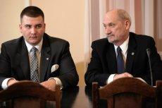 Co Macierewicz ma do ukrycia w sprawie Misiewicza? Posiedzenie sejmowej komisji obrony zostało zamknięte dla mediów