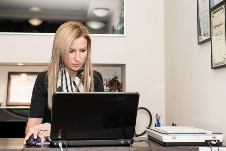 W Polsce kobiety zarabiają średnio od 7 proc. do 18,5 proc. mniej niż mężczyźni. Certyfikat Równych Płac honoruje te firmy, które wynagradzają pracowników tak samo niezależnie od płci