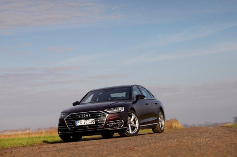 Z tej perspektywy nawet nie widać, jak dużym autem jest Audi A8.