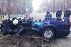 Wypadek pod Krosnem Odrzańskim: mąż zginął, żona całą noc czekała na pomoc. Niestety – nie udało się jej uratować.