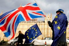 Wszyscy obcokrajowy będą musieli się z§rejestrować, jeśli będą chcieli w Wielkiej Brytanii przebywać legalnie po brexicie.