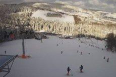 Dobra wiadomość dla tych, co dopiero pojadą na ferie zimowe. W górach sypnęło śniegiem.