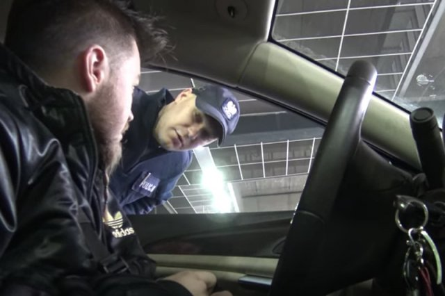 Nagranie Wardęgi pokazujące interwencję policji wyświetlono już 76 tys. razy.