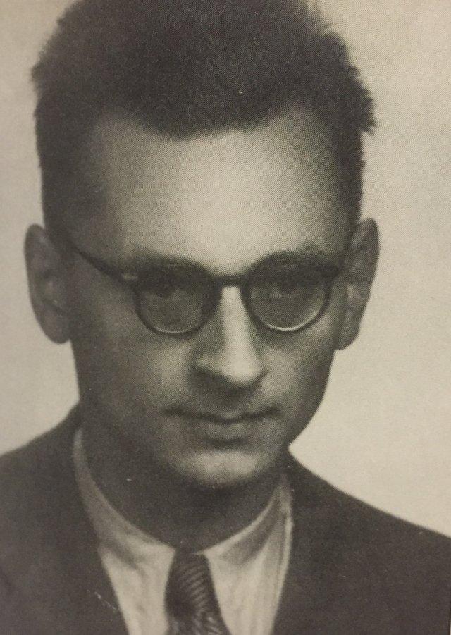 Władysław Bartoszewski po wyjściu z więzienia w 1954 roku