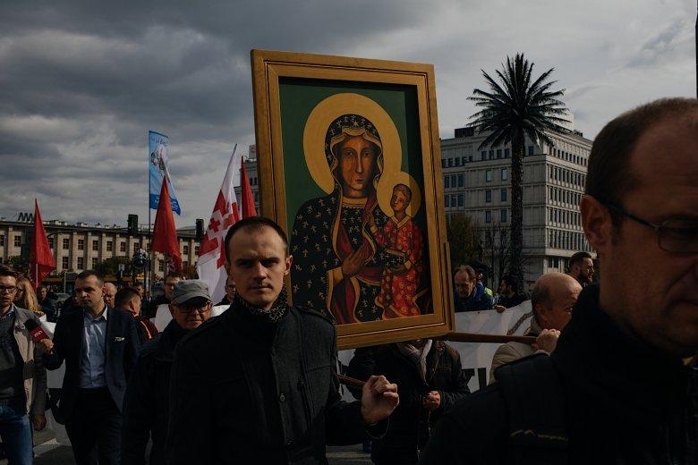 Uczestnicy marszu przepraszali Boga za profanacje, do których ma dochodzić podczas Marszów Równości.
