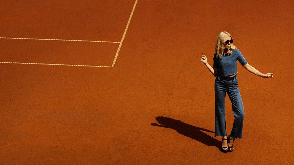 Joanna Horodyńska w ubraniach swojego projektu dla polskiej marki SI-MI.