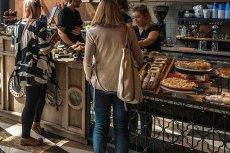 Sieć kawiarni Green Cafe Nero serwowała zatrute salmonellą ciasta
