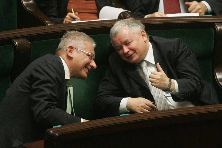 Ludwik Dorn i Jarosław Kaczyński. 5 listopada 2007 roku Dorn zrezygnował z funkcji wiceprezesa PiS, sprzeciwiając się polityce Jarosława Kaczyńskiego w partii.