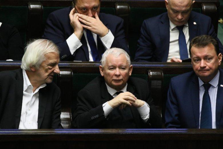 Nowy sondaż CBOS. Większość Polaków dobrze ocenia działania PiS