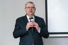 Ujazdowski nie chce wziąć udziału w debacie z Kasprzakiem, jak twierdzi, z powodów osobistych. Polityk przekonuje, że od 30 lat nie spotkał się z takim hejtem jak ze strony Kasprzaka.