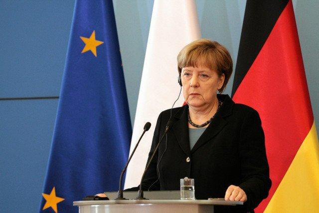 Niemiecka kanclerz stwierdziła, że strefa Schengen, nie może istnieć w obecnej formie i mogą zostać przywrócone kontrole graniczne