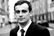 """Prokuratura nie potwierdziła, by atak na dziennikarza """"Faktu"""" miał związek ze śmiercią Pawła Chruszcza."""