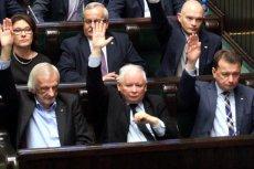 Politycy PiS głosująszybko i często