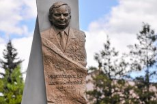 Pomnik prezydenta w Dębicy. Czy podobny stanie w Budapeszcie?