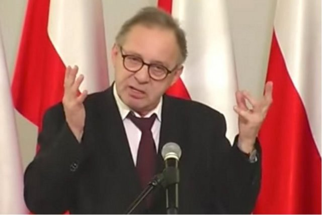 Prof. Lech Morawski nie przyszedł na obronę pracy swojego doktoranta. Nie zgadza się z uchwała toruńskich sędziów, którzy potępili go za wystąpienie w Oksfordzie. Miał na nim mówić o korupcji w Trybunale Konstytucyjnym, czy też o homoseksualistach.